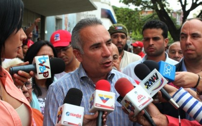 Freddy Bernal: Venezuela apoya a los Cinco Héroes cubanos