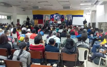 Bernal: sanciones impiden que lleguen a Venezuela 100 mil barriles de nafta para procesar gasolina