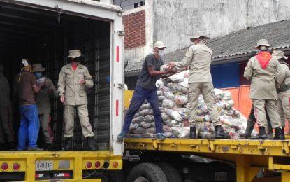 "Bernal: ""Jefes de comunidad de 10 municipios van a distribuir alimentos a 10.000 familias"""