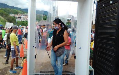 Se instalan cabinas de desinfección en el Mercado Las Margaritas de Táriba