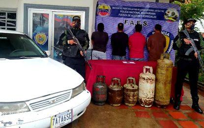 FAES desarticula banda dedicada a la extracción de cilindros de la Planta de llenado Libertador