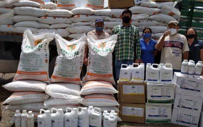 Entregan más de 20 toneladas de insumos a productores del municipio Uribante