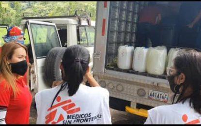 Reciben dotación de implementos para atender a connacionales en Córdoba