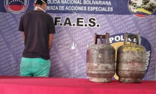 Detienen a sujeto que vendía ilegalmente cilindros de gas