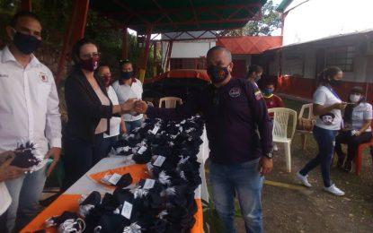 Distribuyen tapabocas elaborados por brigadistas del Inces Paramillo