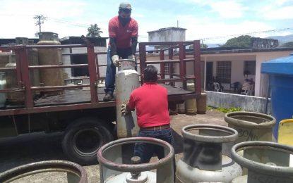 Los 341 pacientes de Fundarenal son atendidos con venta de gas doméstico
