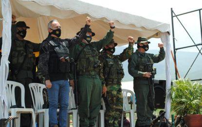 Bernal celebra despliegue de la Operación Patriota de Los Andes por mar fronterizo