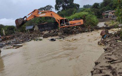 Corpoandes y Gmbnbt remueven sedimentos que obstaculizan la vialidad