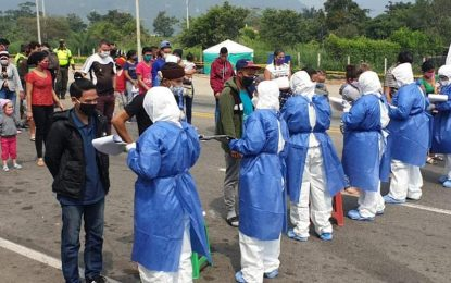 Protectorado recibe a connacionales en el Puente Simón Bolívar con dispositivo epidemiológico
