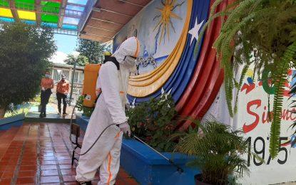 Protectorado inicia jornadas de desinfección en más de 1.400 unidades educativas