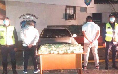 Capturados dos hombres que pretendían llevar billetes del cono monetario a Colombia