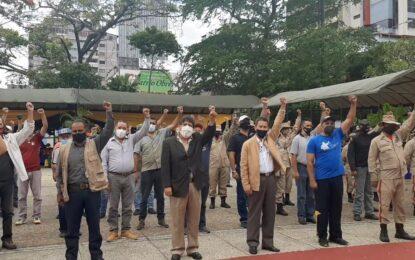 Bernal saluda a la clase obrera venezolana que admira por su lucha y coraje