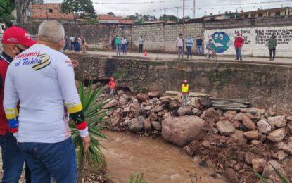 Protectorado anuncia que puente La Chivata será inaugurado en cuatro meses con dos canales