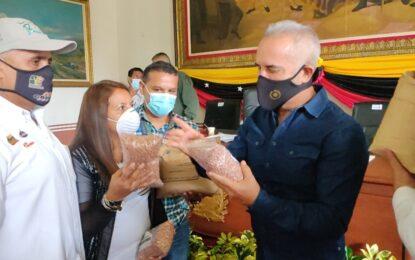 Bernal: Doy 15 días a los comerciantes para que saquen de sus anaqueles café colombiano