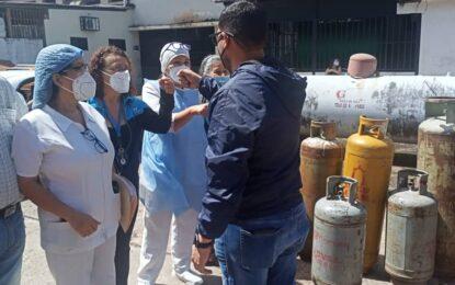 Más de 300 cilindros de gas se distribuyeron entre el personal del Hospital Central de San Cristóbal