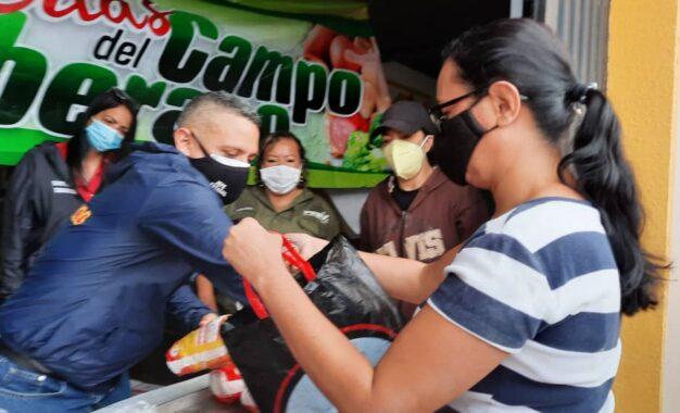Mercal atendió con combos proteicos a familias de la comunidad Santa Teresa en San Cristóbal
