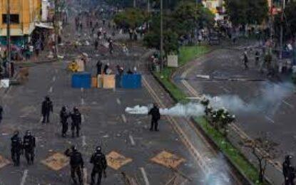 Alertan sobre seguridad de periodistas en medio de represión contra manifestantes en Cali, Colombia