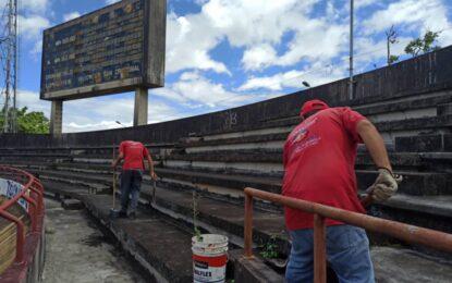Avanza mantenimiento y reparaciones menores al Velódromo J.J. Mora