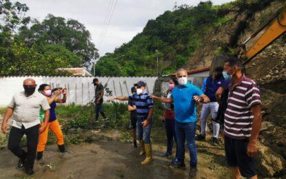 Comunidad de Zorca atendida por equipo multidisciplinario ante desbordamiento de quebrada La Zorquera