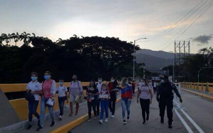 Más de 800 estudiantes tachirenses cruzan al Departamento Norte de Santander