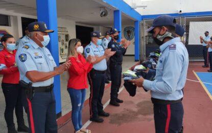 Dotan de uniformes a efectivos de Politáchira